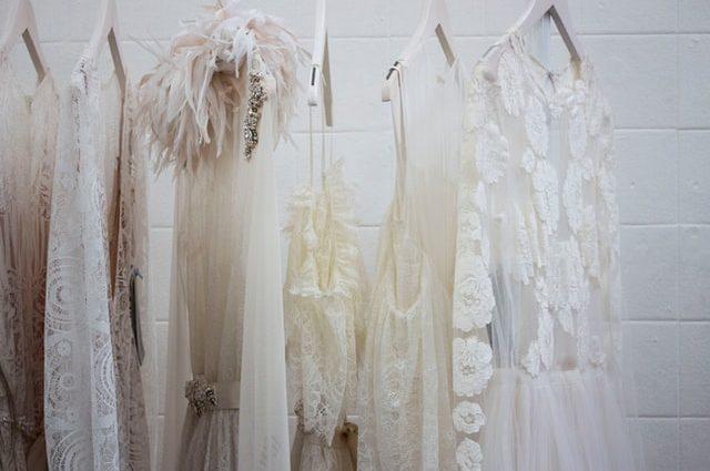 Przygotowania do ślubu, czyli wybór dodatków i sukienki dla panny młodej